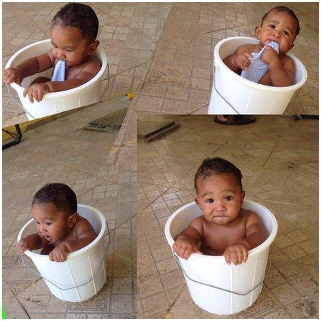 baby in the bath – BabyNowUSA