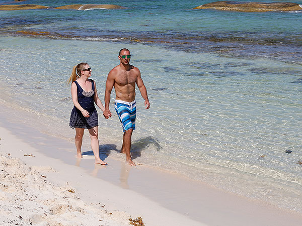 Melissa Joan Hart Mexico Birthday Vacation